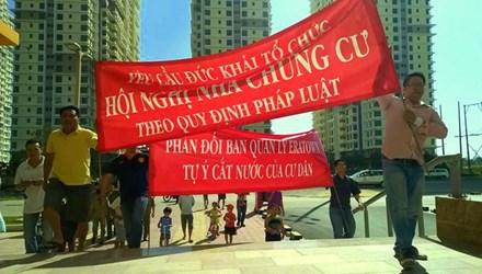 cư dân chung cư biểu tình